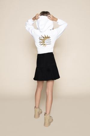 Suzy Sweat logo